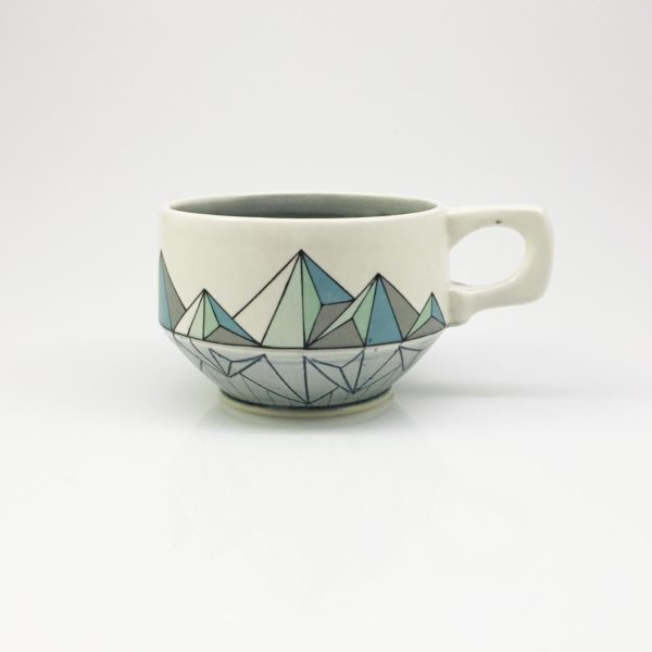 Geomtric Low Poly Mountain Mug regular