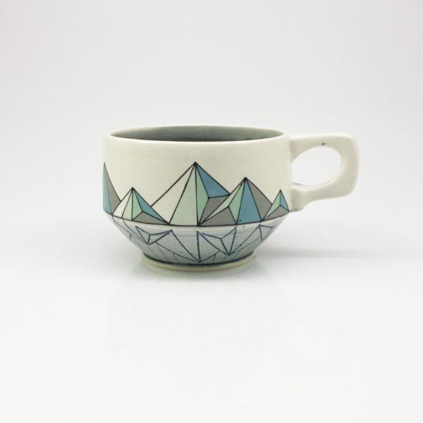 Geomtric Low Poly Mountain Mug regular